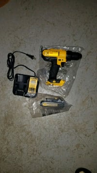 Dewalt drill driver 20v with battery and charger  Ashburn