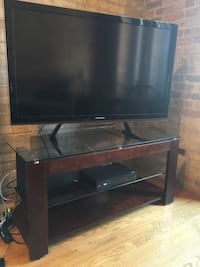 TV Stand Chicago, 60654