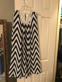 Chevron print Dress women's size M Lafayette, 70508