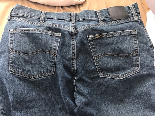 458096adc28 Used Men s lee jeans 34x30 for sale in Seattle - letgo