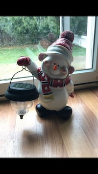 Solar powered snowman