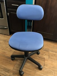 Blue and black rolling chair Prattville, 36067