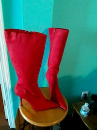 pair of red suede knee-high boots Gulfport, 39503