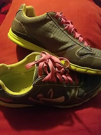 green-and-black lace-up running shoes San Bernardino, 92410
