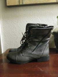 Grey lace up womens boots size 7 1/2 Strathmore, 93267