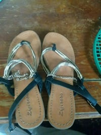 pair of black-and-brown sandals Vancleave, 39565