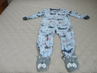 Carter's Child's Sleeper with Dogs On Feet- Size 4T New Fairfield, 06812