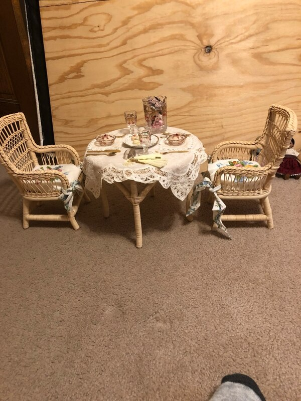 Original American Girl Doll Samantha's Lemonade Birthday wicker table and  chair set with accessories