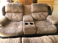 Couch and loveseat set Elk Grove, 95757