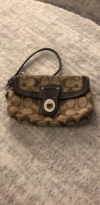 Coach Wristlet Germantown, 20874