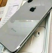 silver iPhone 7 plus with box Seattle, 98168