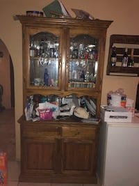 Wooden Hutch in great condition Bakersfield, 93309