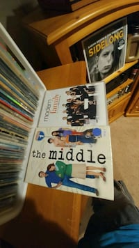 DVD Modern Family S5 & The Middle S1