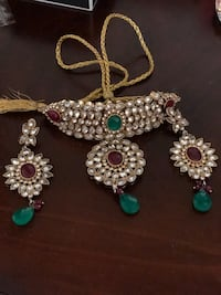 Gold plated kundan set for $150...bengals 2 set for $55.. earnings $55 Pickering, L1V 4Y1
