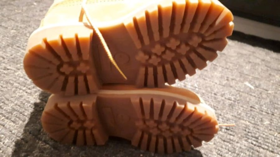 Toddler size 6 Timberland boots 6ac725b6-2b92-47a2-9191-041dc9359cee