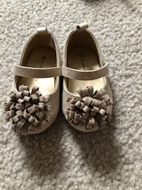 Toddler size 3 Gold Shoes  Halethorpe, 21227