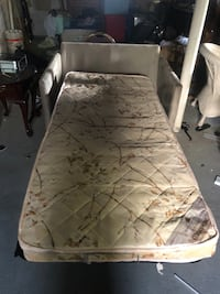 Chair/bed