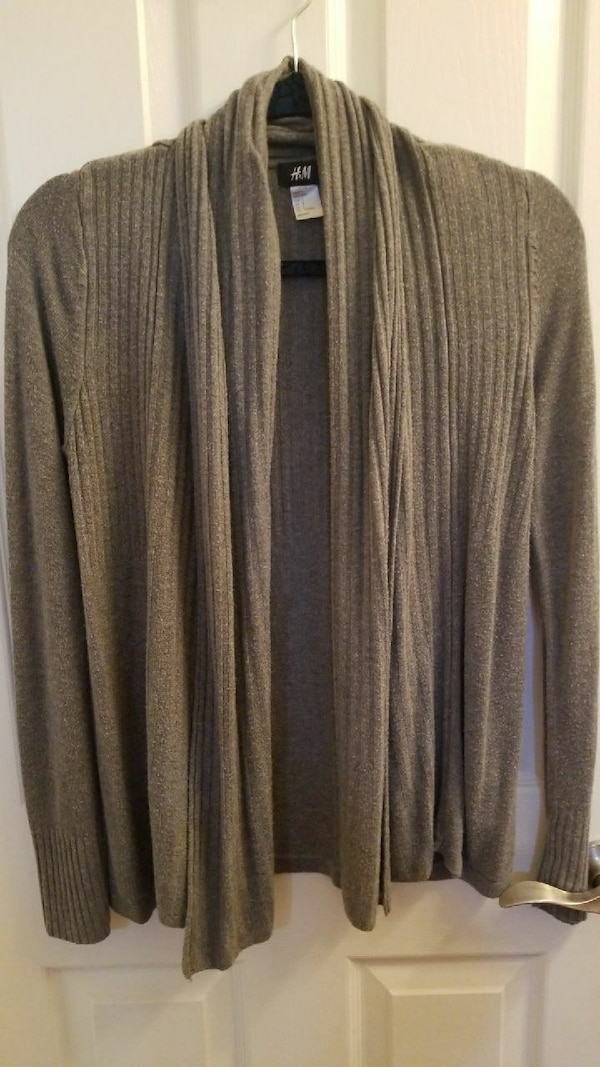 Women's h&m sweater size small