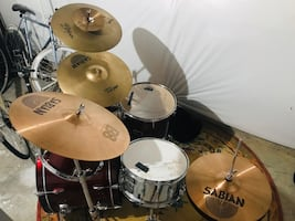 Pearl forum drum set