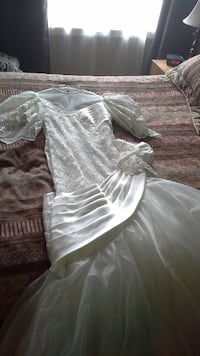 Wedding Dress- Robe de mariée MONTREAL