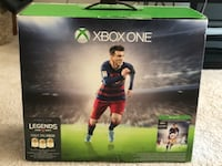 Xbox one with two controllers and 6 more games London, N6H 0A1