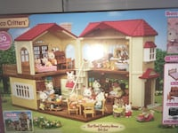 BRAND NEW!! Calico critters huge house and calico critters included  Moriches, 11955