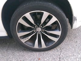 20 inch  rims 5 lugs srt ..850obo.. 2rims with t
