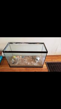 Fish tank no leaks or cracks in good shape New Cordell, 73632