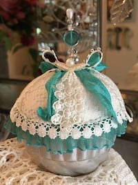 Handmade vintage Jello Mold Pincushion ~ great gift, quilters, sewing, crafters!
