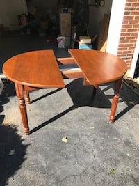 "SOLID WOOD TABLE WITH 2 12"" LEAVES Reading, 19606"