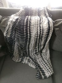 Black and White tie-dye scarf