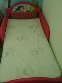 baby's red and green travel cot Ocala