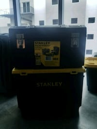 Stanley two tiered tool box Tampa, 33602