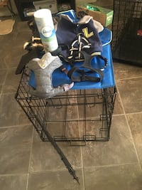 Dog crate and extras lot Edmonton, T6R 0L6