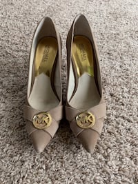 MICHAEL KORS TAN PUMPS Severn, 21144