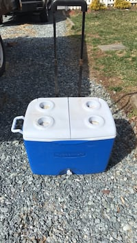 Rubbermaid Rolling Cooler Silver Spring, 20910
