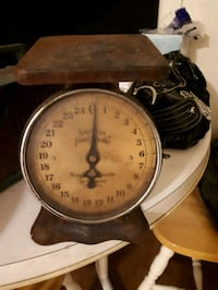 Antique scale  Stratford, N5A 1J2