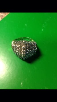3 karat diamond ring. 2,300 appraised for 2,845 in 2012. Still have appraisal paper. Not sure on size  644 mi