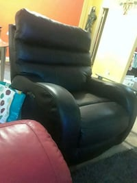 used recliner in excellent condition. Black, soft leather.  Aspen Hill, 20906