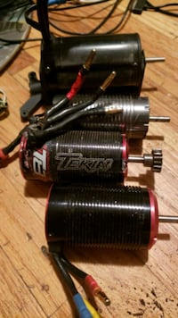 Looking for esc and motors for rc cars and trucks  New Westminster, V3L 1Z7