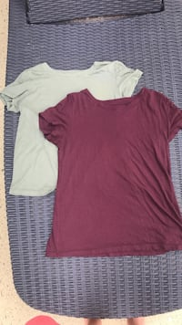 2 American eagle tshirts size medium  Griffin, 30224