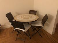 Outdoor/Indoor kitchen table and chairs with cushions New York, 10028