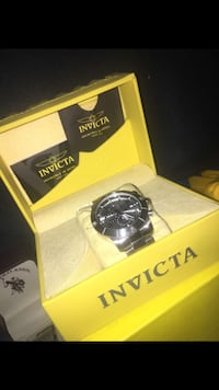 round gray Invicta analog watch and box Vancouver, 98682