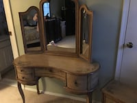 Fortunoff vanity table  Huntington, 11743