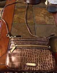 Anne Klein messenger bag Alexandria, 22309