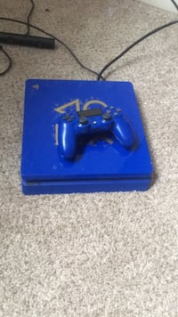 Blue sony ps4 console with controller Suitland, 20746