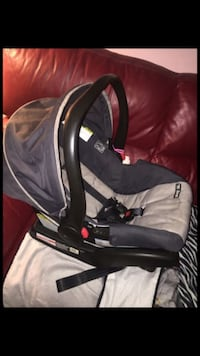 Graco car seat with base  29 km
