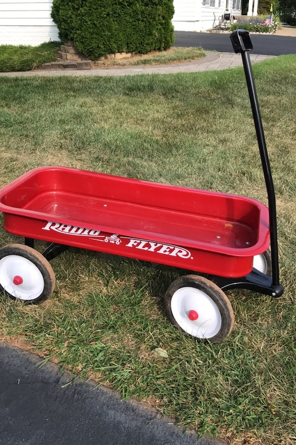 Radio Flyer Wagon 7fc2c39f-0e47-41d5-be6c-5d55f3cfa7ee