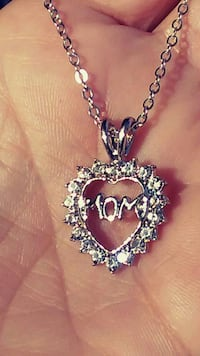 NEW Mom Heart Necklace