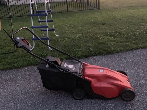 Black and decker electric lawn mower 1